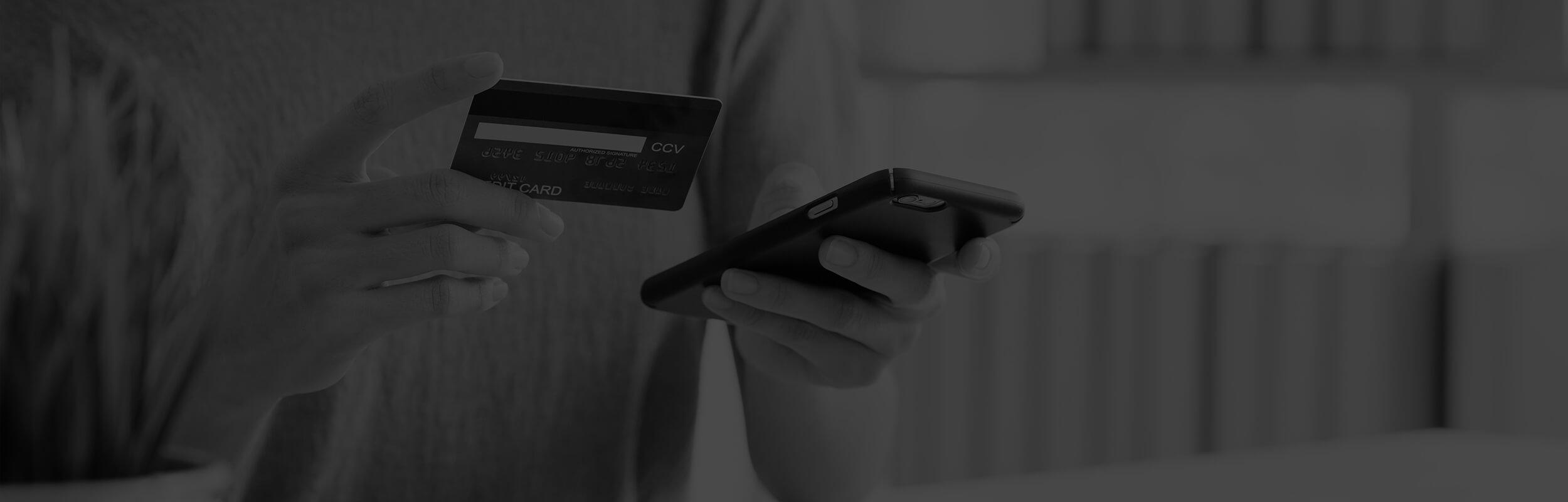 online nakupovanie čierno-biele